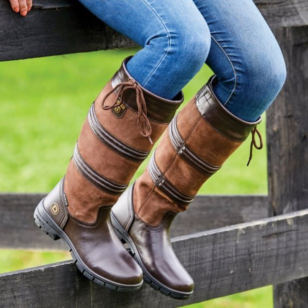 Put your best foot forward this Autumn with our Country Boot range...